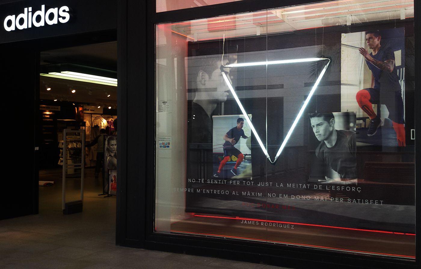 Ocho Isla de Alcatraz hoy  Escaparates Adidas Athletics en Adidas Store Maquinista on Behance | Street  style women, Street style paris, Fashion design