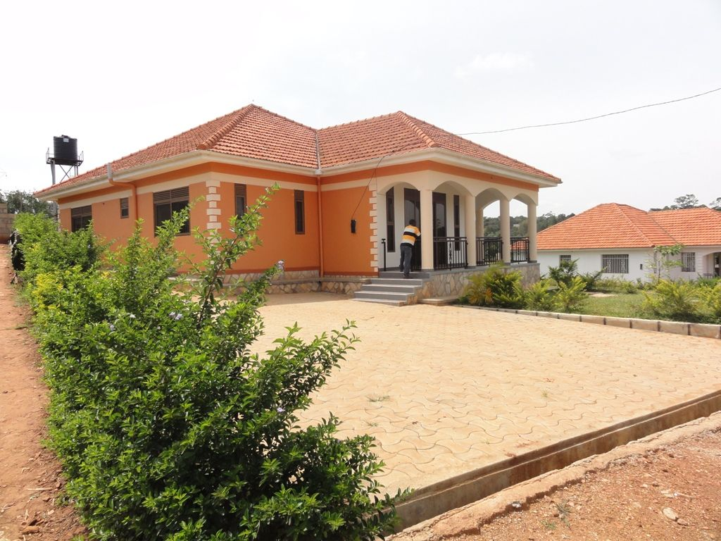 A newly built 3 bedroom house for sale in kiira kito for Best residential houses in uganda