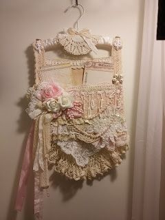 Kitty Sscrost Shabby Chic Wall Hanging With Pockets
