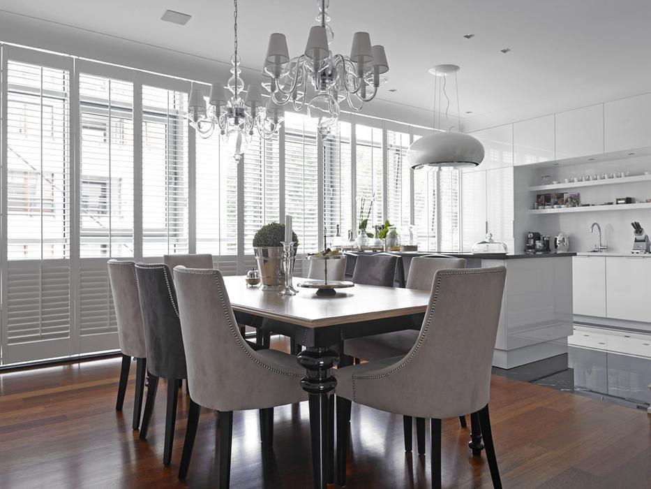 Symetryczna Jadalnia W Stylu Amerykanskim Home Home Decor Interior