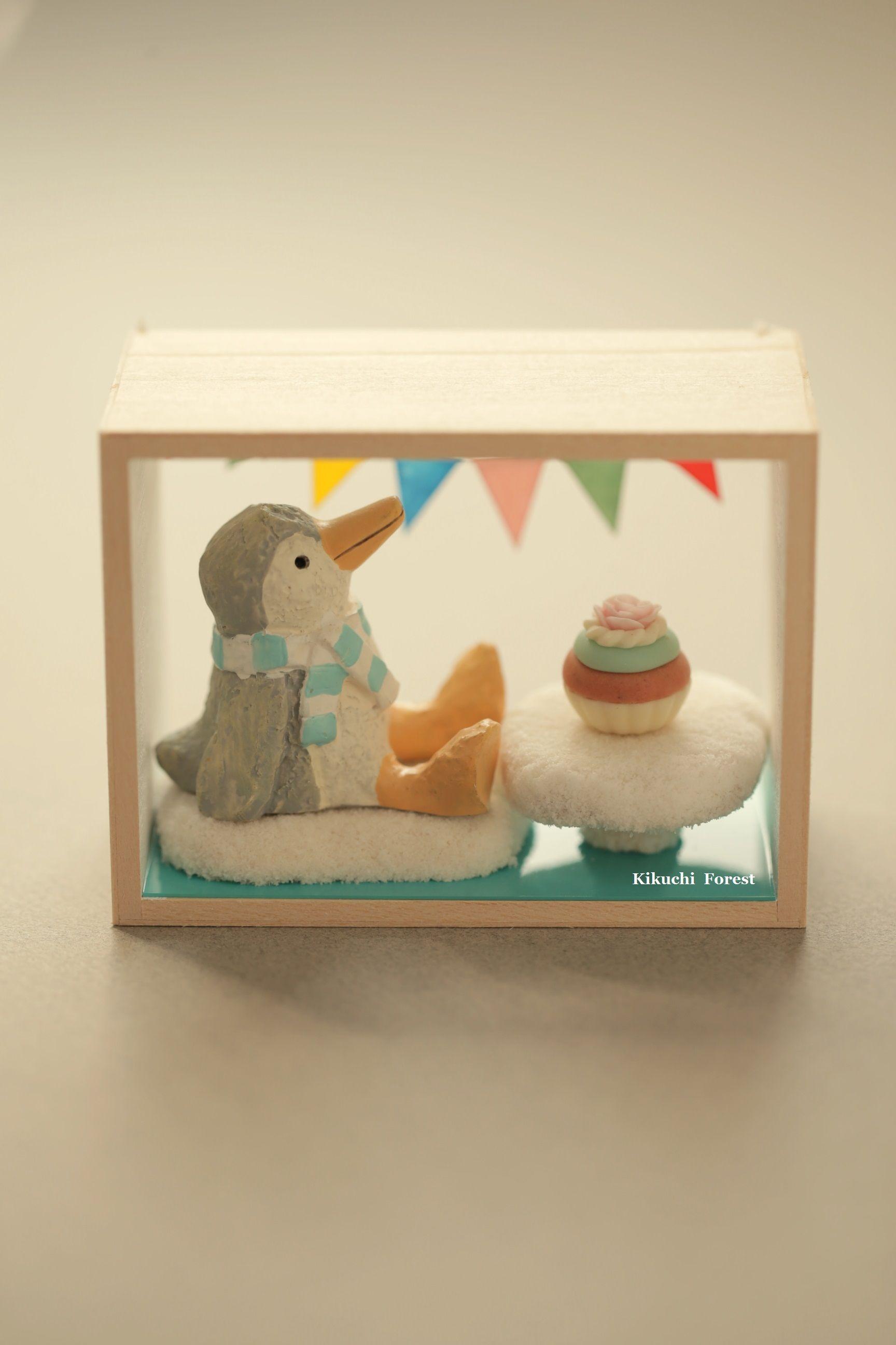 Penguin Gift Box,Shadow Box, Handmade Penguin, Handmade Home Deco,handmade  Art