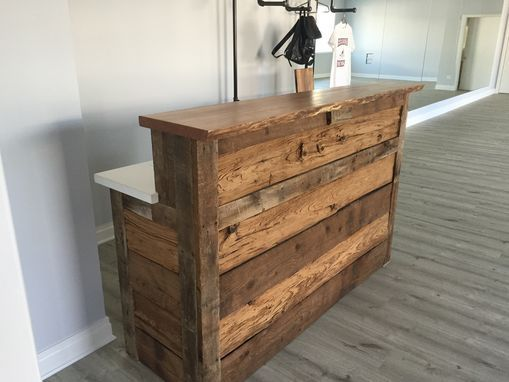 custom made reclaimed barnwood reception desk office pinterest salon einrichtung und m bel. Black Bedroom Furniture Sets. Home Design Ideas