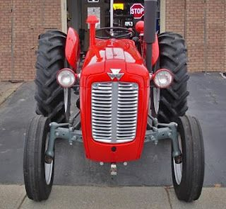 Vintage MasseyFerguson 35 Deluxe Diesel Tractor. TAFE