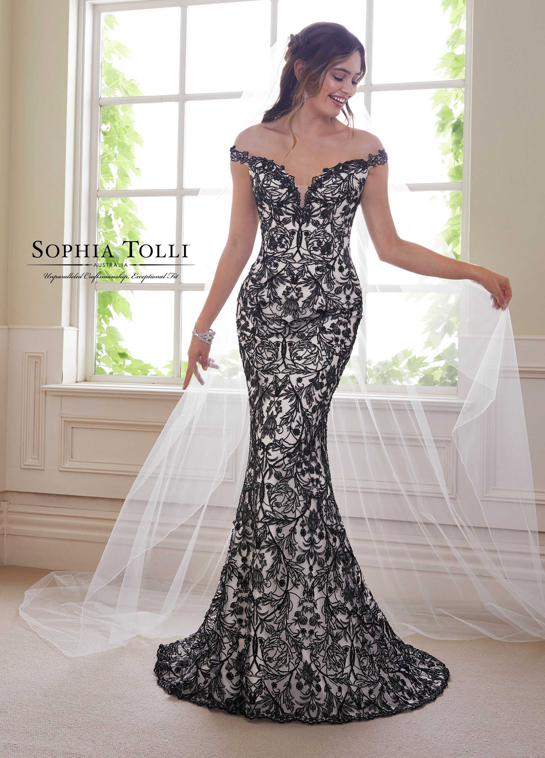 2Piece Wedding Dress Set with Black Lace Y21810B