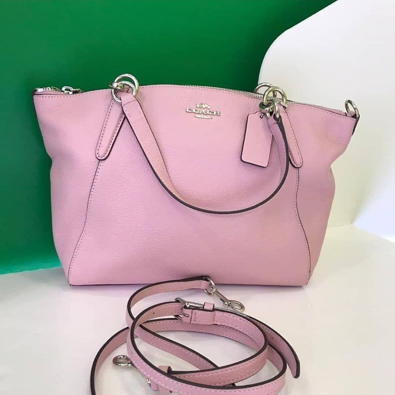 👜READY STOCK 😘 👉Coach Small Kelsey 👉Rm540 only 😊 kindly DM or WA 0105469641  to order (sis Wina) . #original#outlet#bagbranded#bagmurah#bagslover#accessories#love#photooftheday#wedding#birthday#travel#engagementrings#bride#dress#handbag#backpack#wallet#watch#sabah#sarawak#brunei#malaysia#putrajaya#emasmurah#jewellery#sales#fashion#cakes#readystockAC4u