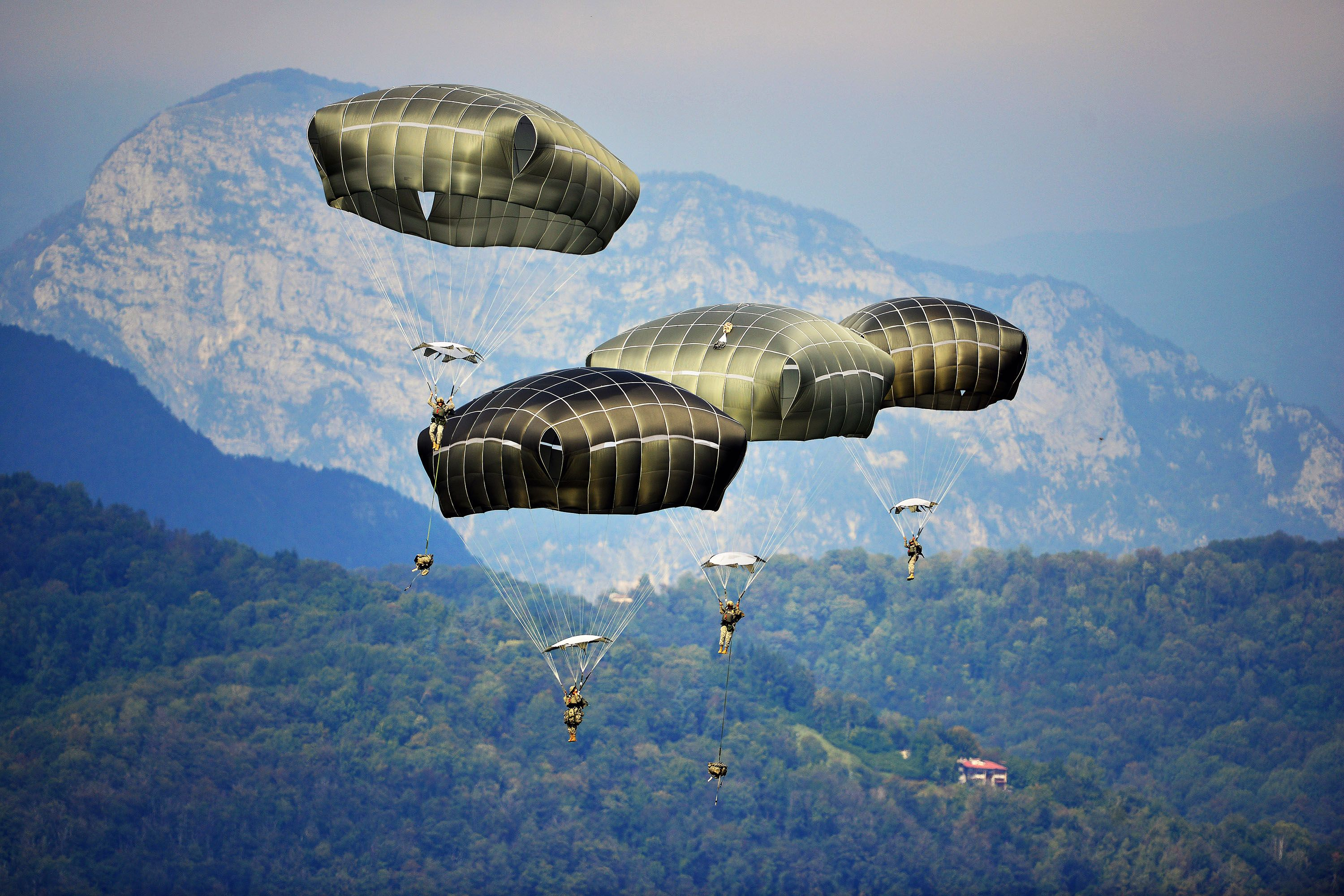 US Army – Airborne Operation at Juliet Drop Zone in Pordenone, Italy