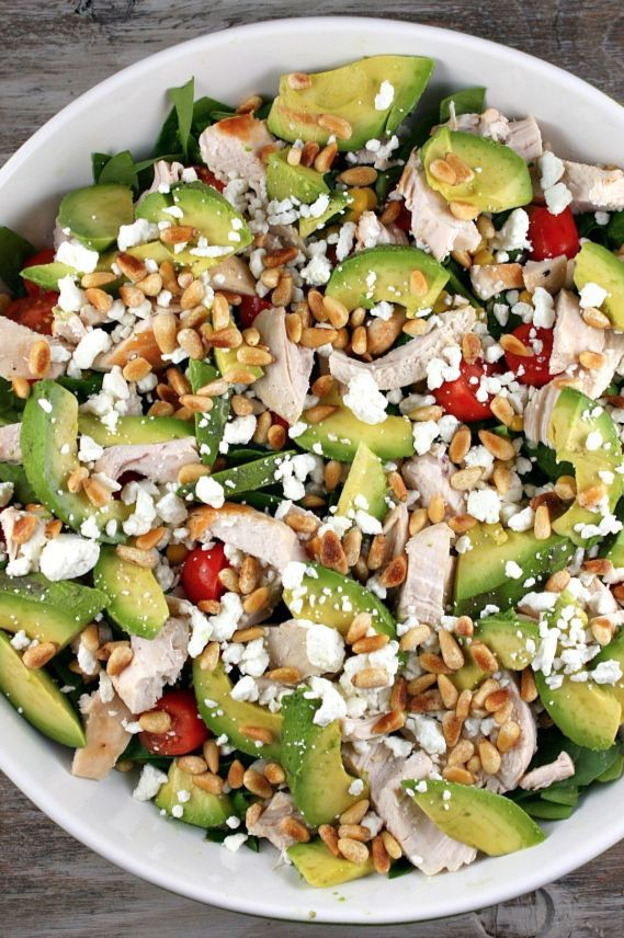 Spinach Salad with Chicken, Avocado and Goat Cheese #spinachsalad #chicken #avocado