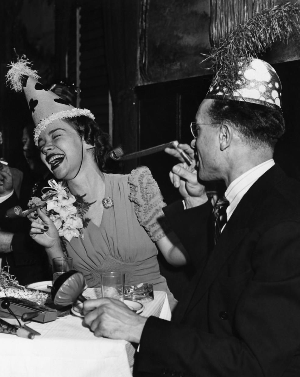 11 vintage photos of endearingly raucous parties of New ...