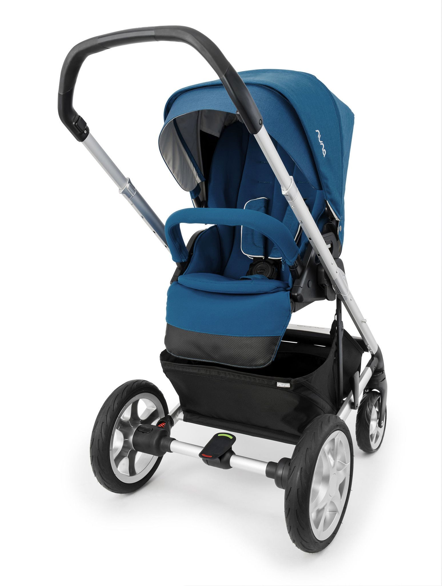 AtAGlance Features The Nuna Mixx Stroller is a