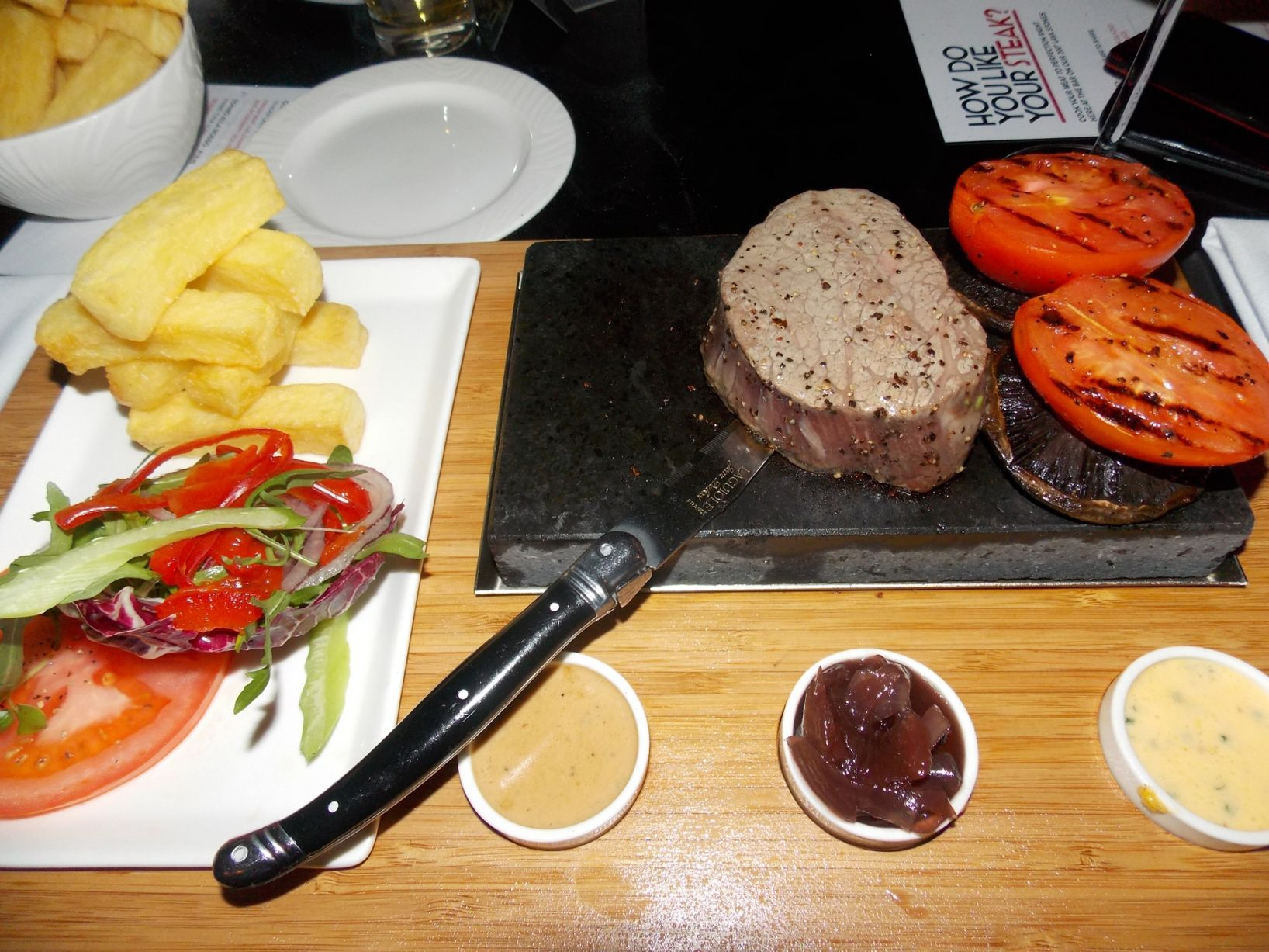 Rosso Restaurant Cook Your Own Steak At The Celeb Favourite Italian Eaterie Manchester Evening News