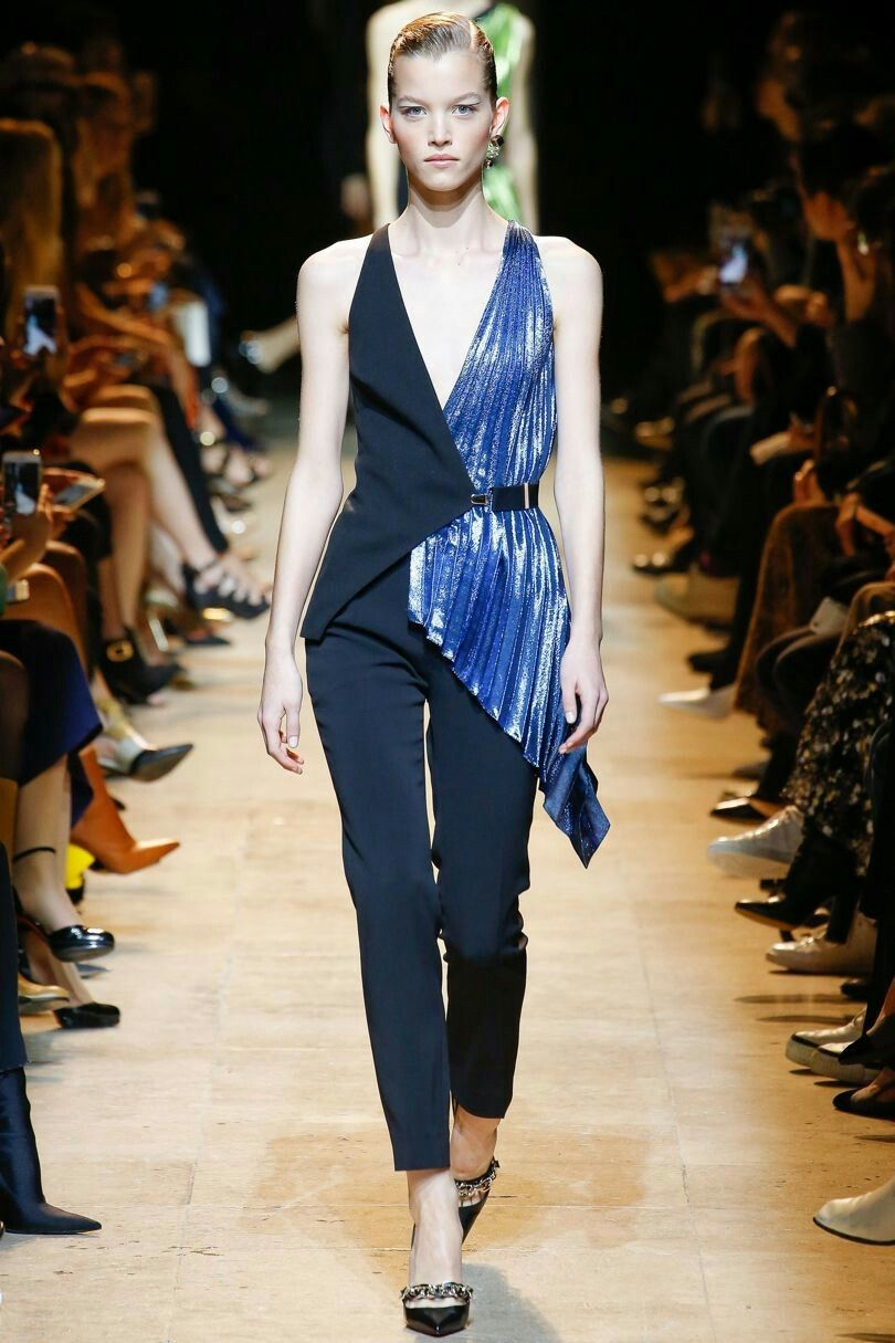 Mugler Autumn/Winter 2017 Ready to Wear Collection