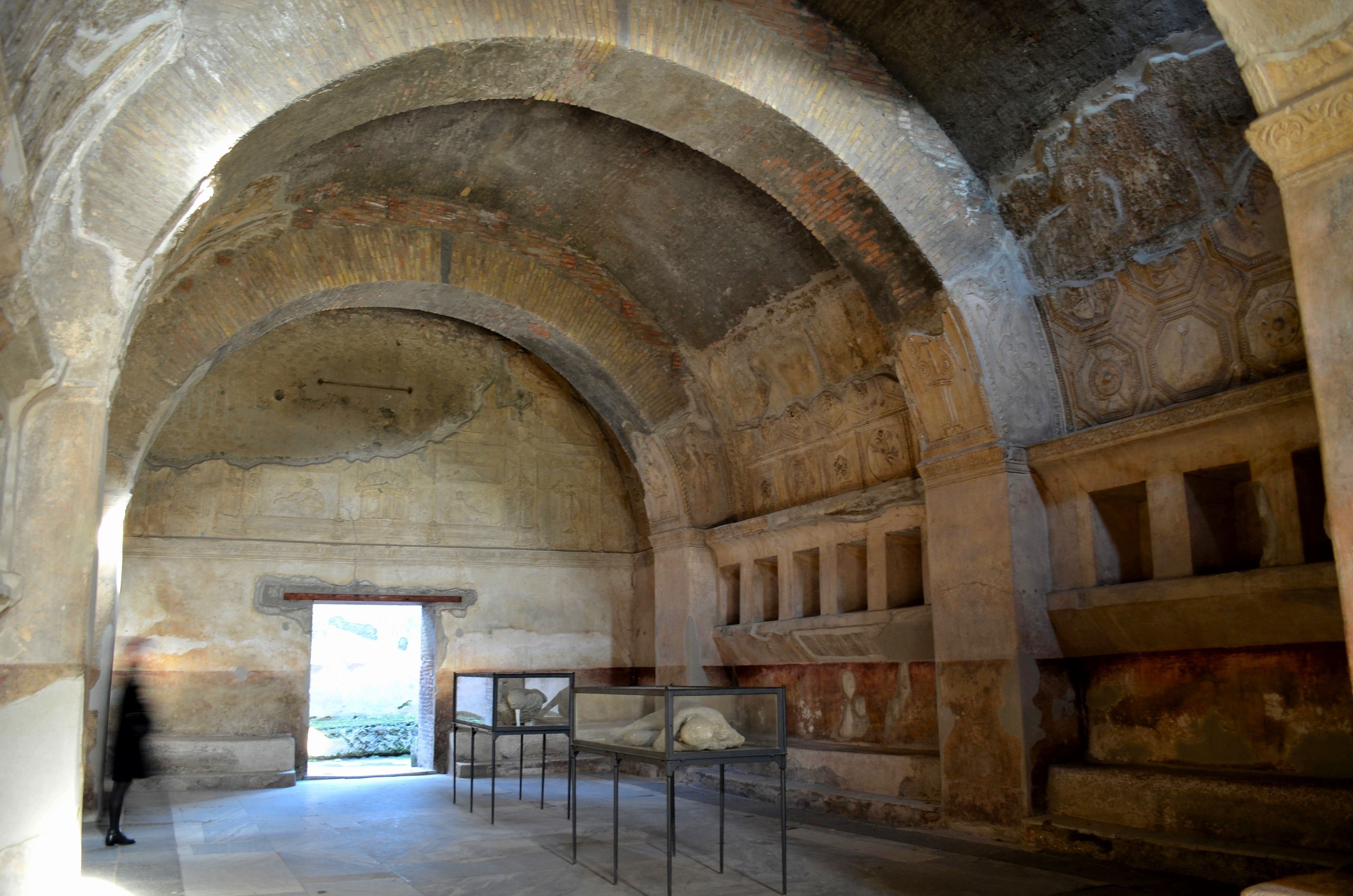 078 roman architecture apodyterion changing room in for How to get warm in a cold room