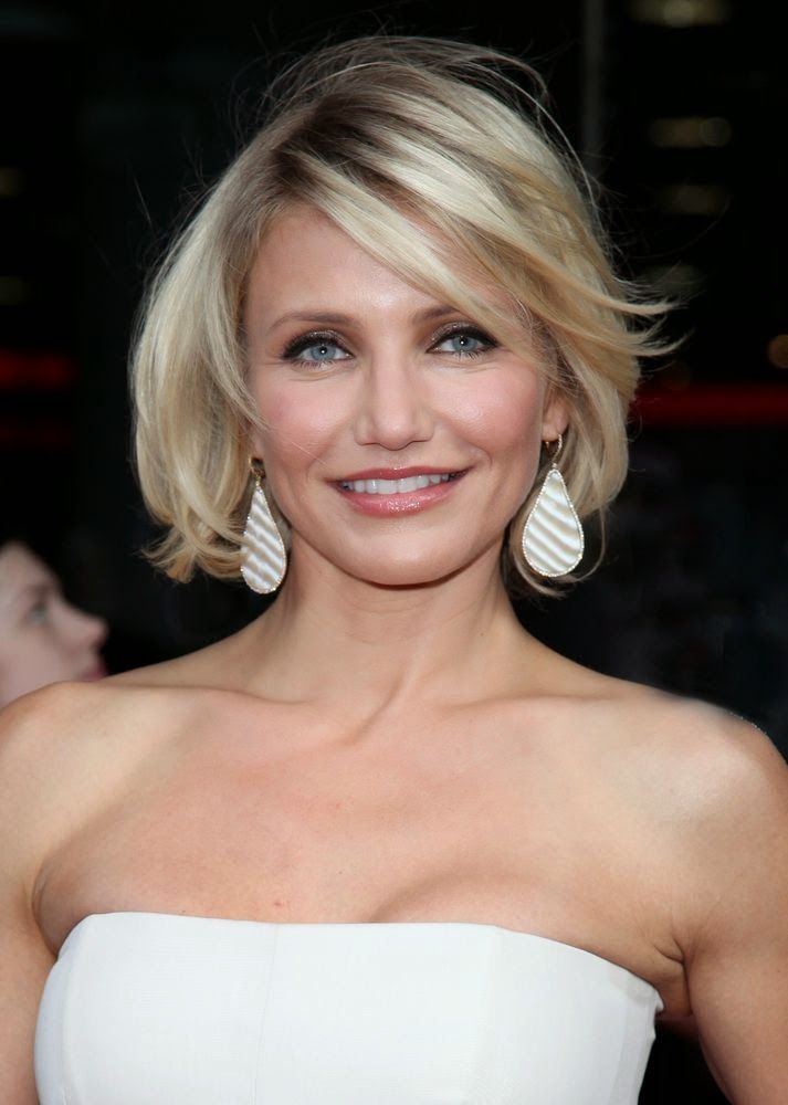 Cameron Diaz Is Proof That Women With Round Faces Can Have Bobs Hair Short It Has Texture Shape And Sweeping Bangs All Things Accent A