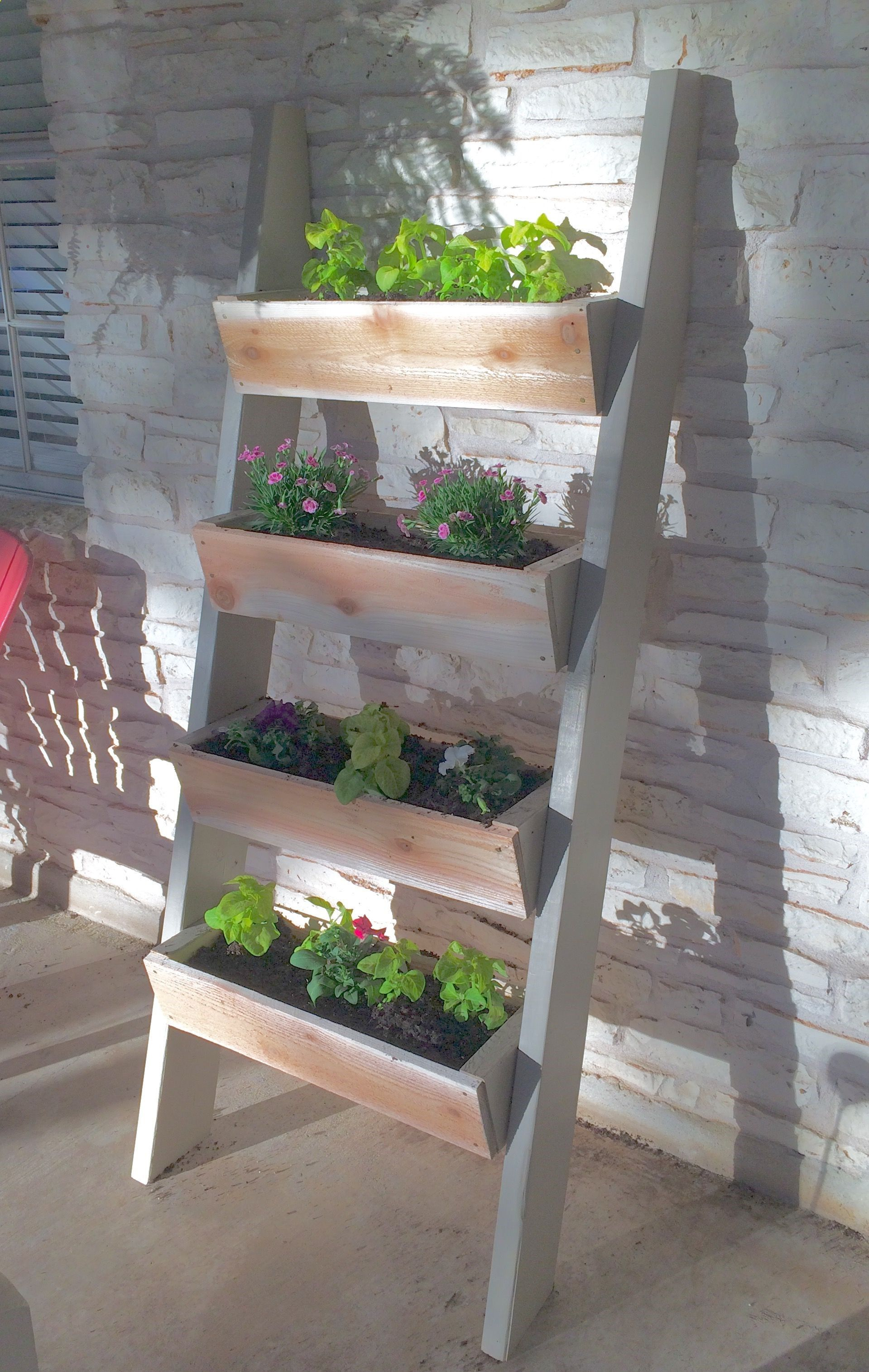 Plans Of Woodworking Diy Projects  Easy Ladder Planter Ana
