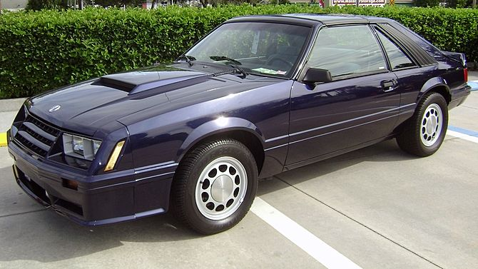 1982 Ford Mustang Gt 302 Ci T Tops Mecum Auctions Mustang Gt Mustang Ford Mustang Gt