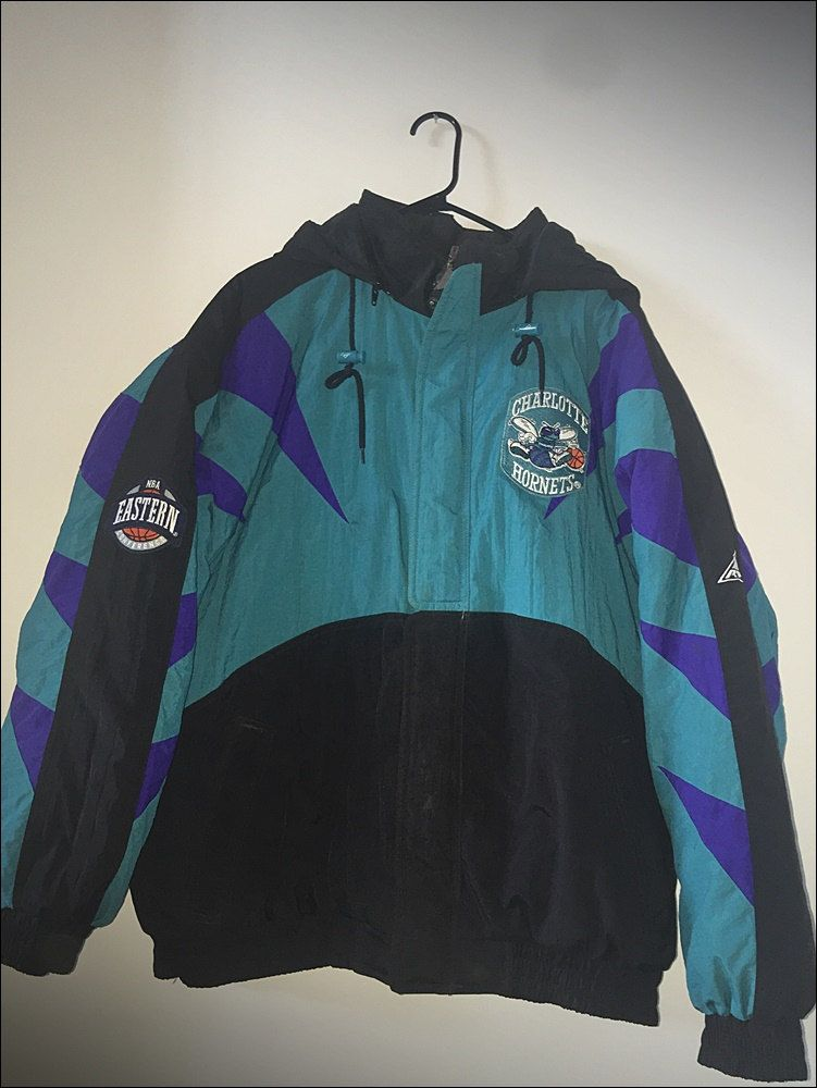 d491a8d1ff8 Vintage 90 s Apex One NBA Charlotte Hornets Parka Coat - Size Large XL by  RackRaidersVtg on Etsy