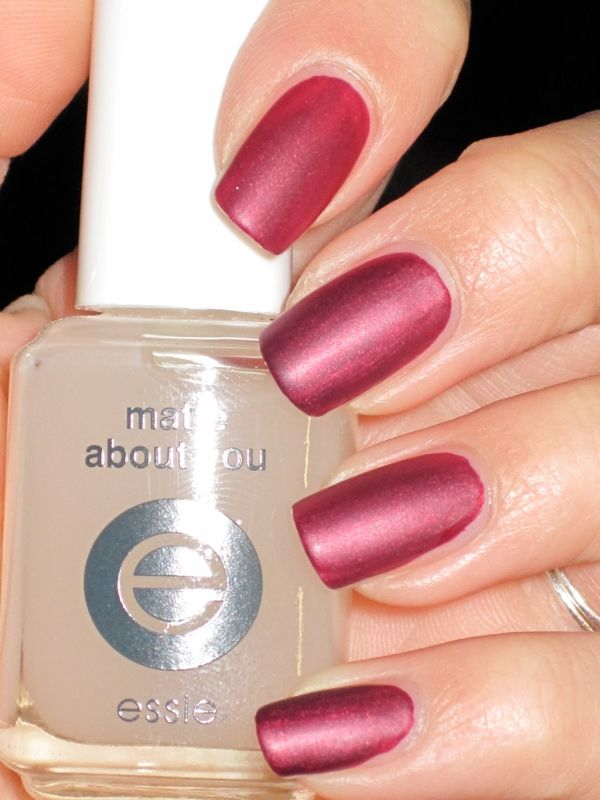 Essie- Showstopper Matte
