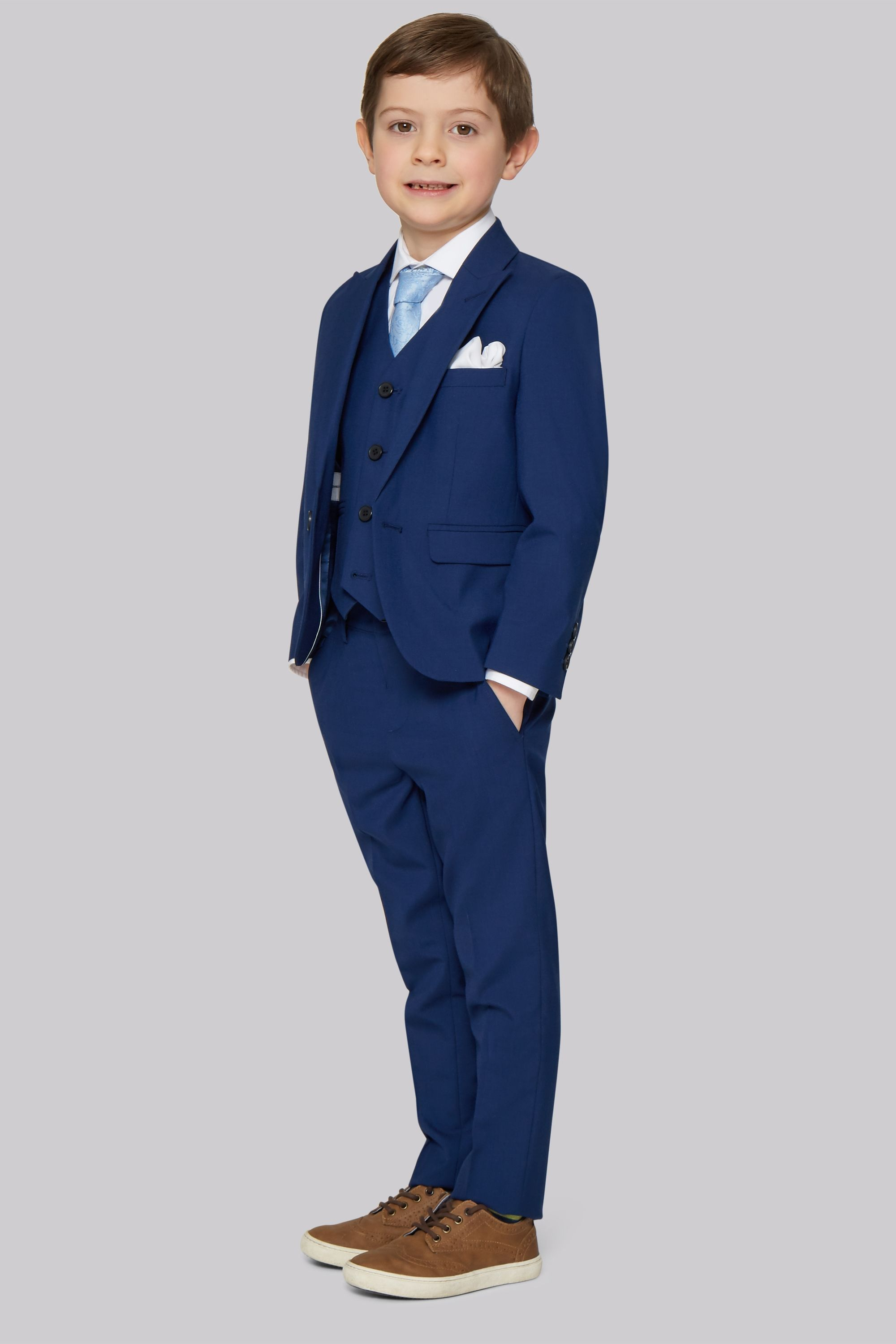 dc76aa26e272 Why it's time your boy needs boys suits | For Kids | Trajes para ...