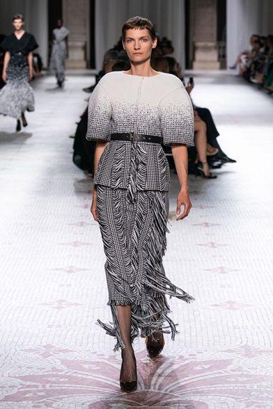 Sfilata Givenchy Parigi – Alta Moda Autunno-Inverno 2019-20 – Vogue