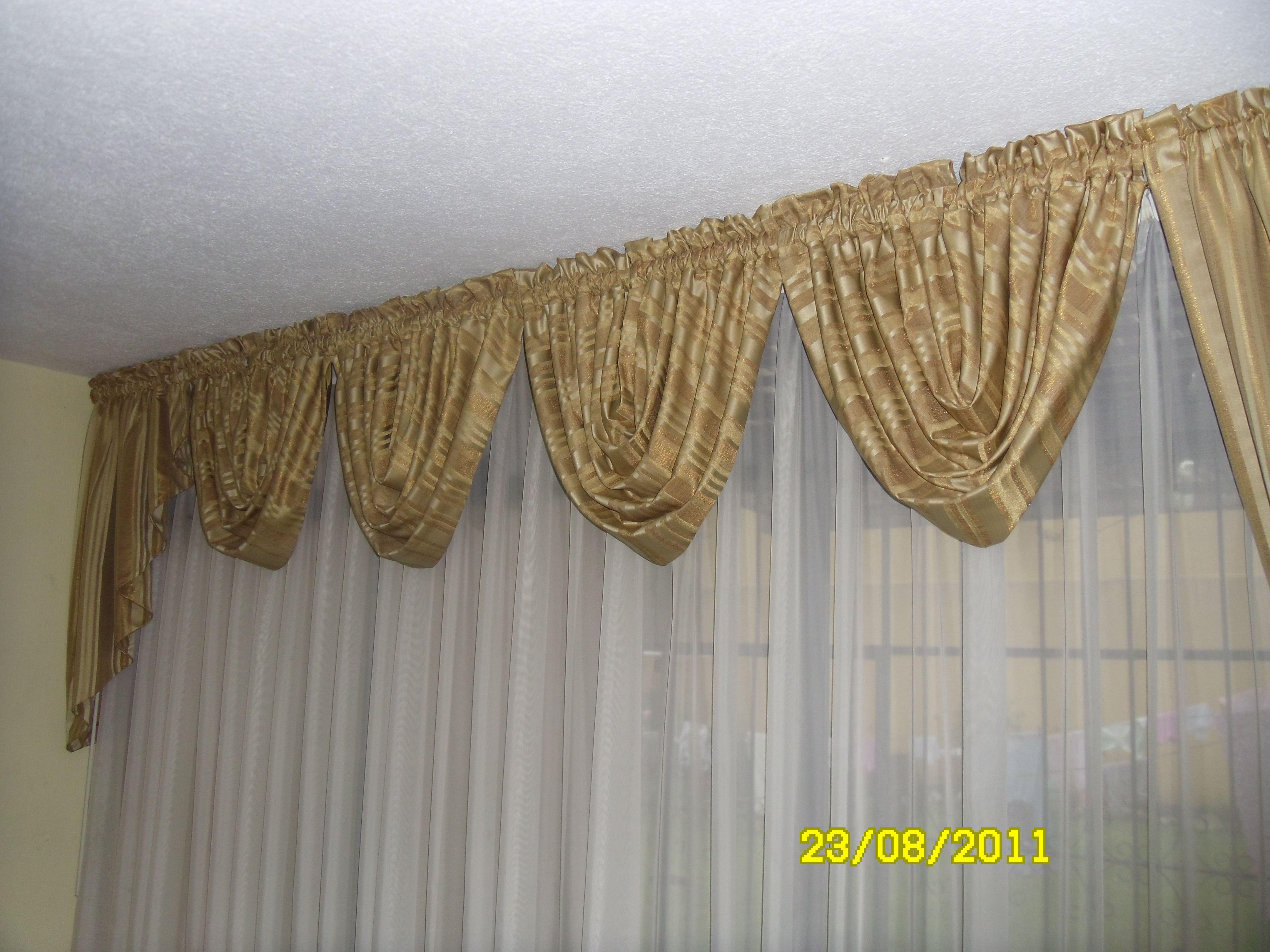 Cortina con tela de marquiset y cenefa con tela de for Cenefas para cortinas