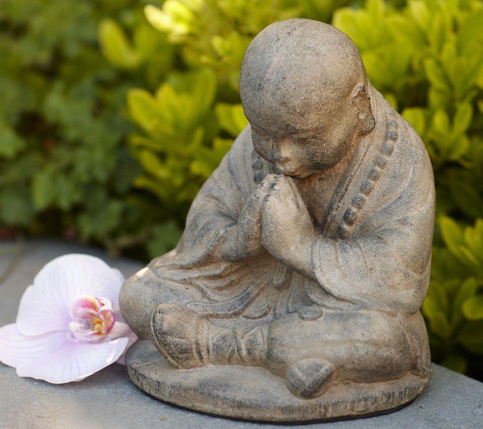 Namaste Monk Statue