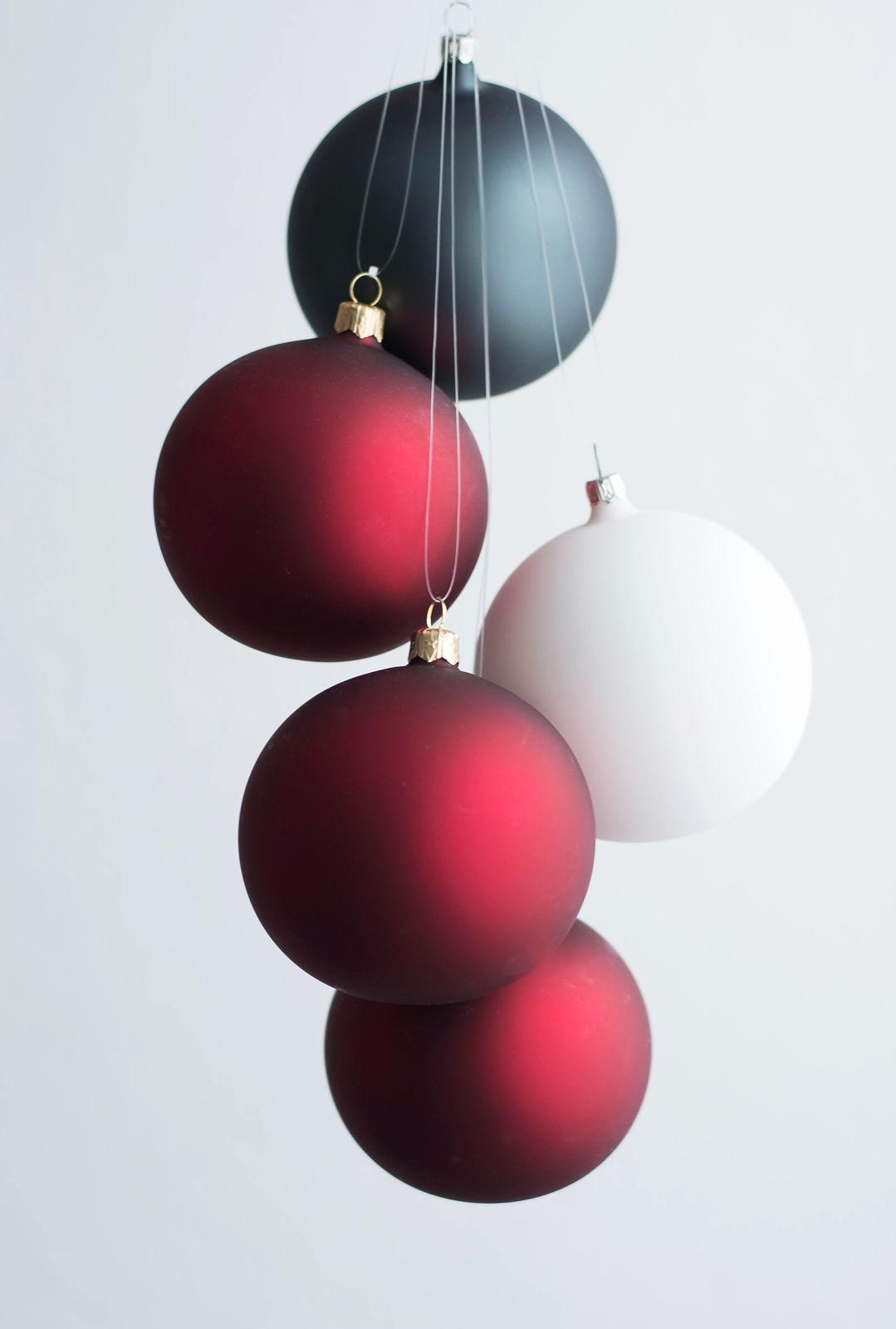 Moderne christbaumkugeln