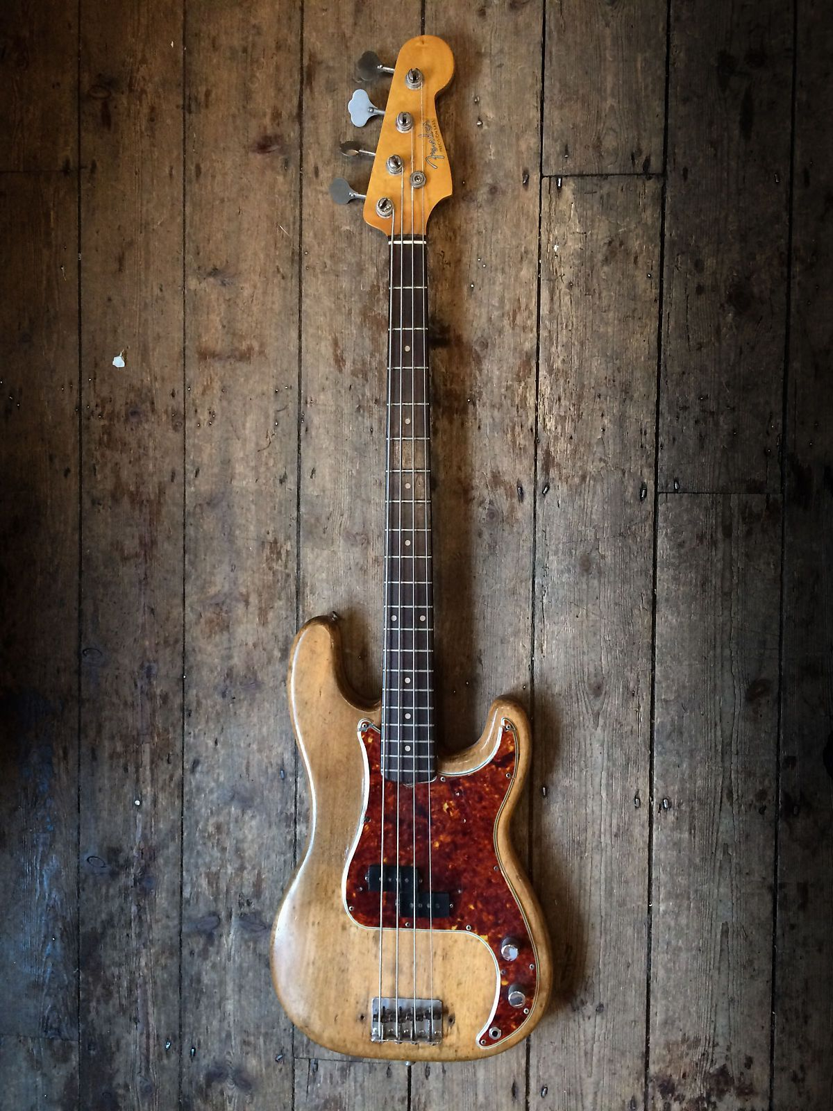New Kings Road Vintage Guitars Europe S Premier Vintage Guitar Emporium Are Pleased To Be Offer For Sale Thi Fender Precision Bass Vintage Bass Guitars Guitar