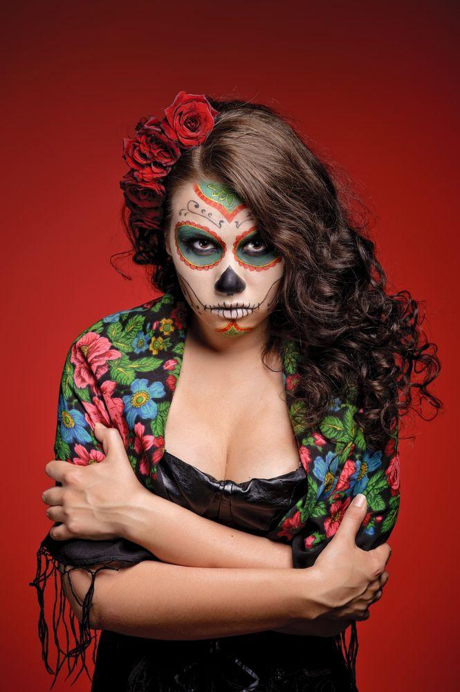 Dia De Los Muertos Step By Step Hair Styles Halloween Makeup Looks Quinceanera Hairstyles Hair Styles