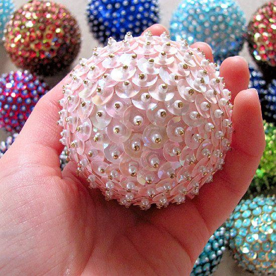Styrofoam Balls Decorations All You Need Are Styrofoam Balls Sequins And Pins To Make These