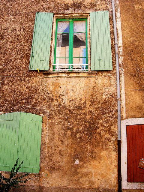 Monieux, Provence-Alpes-Côte d'Azur, France