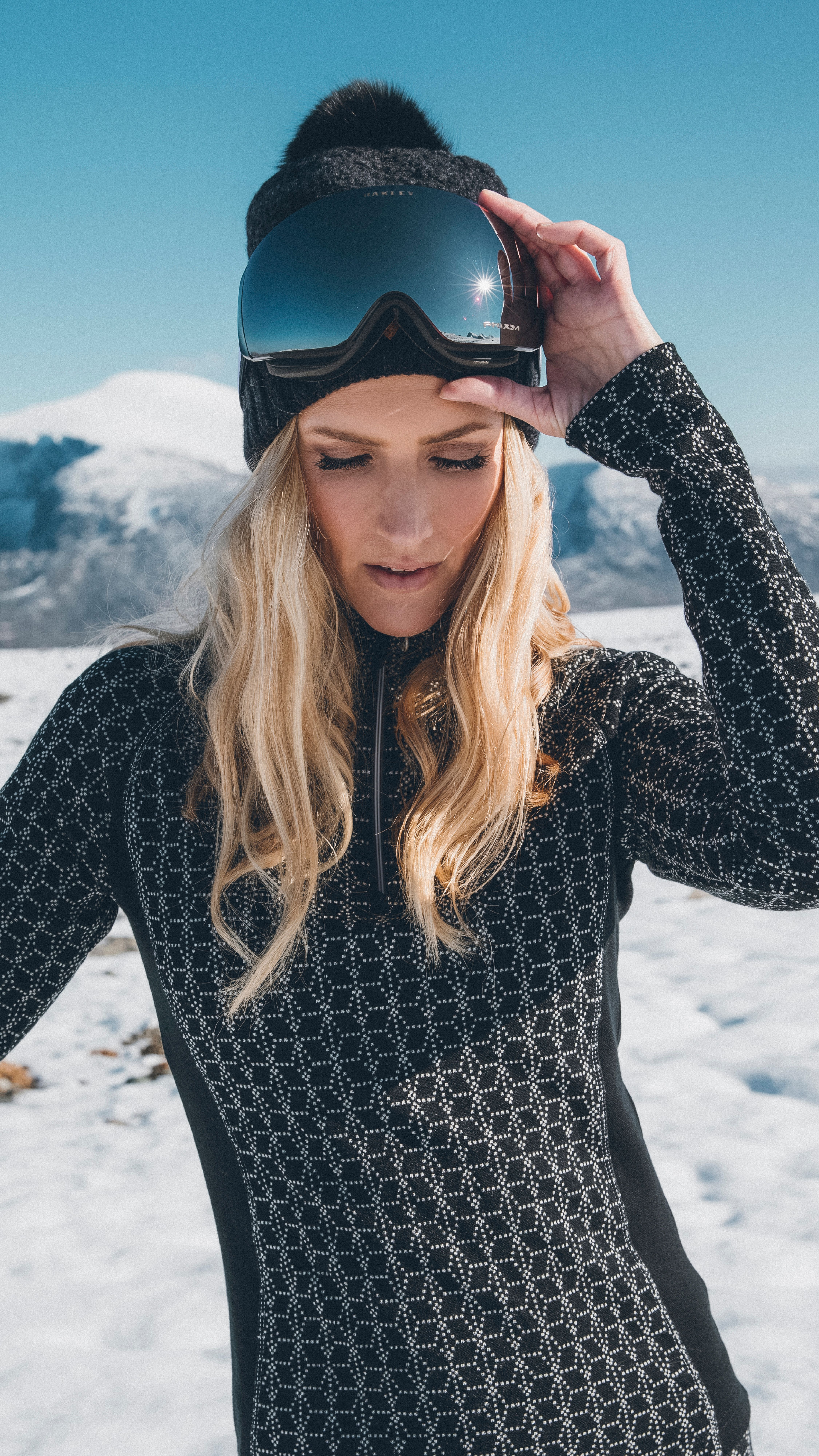 c4e5649b5edd Hit the slopes in style with Stjerne basic women s sweater and Ulv ...