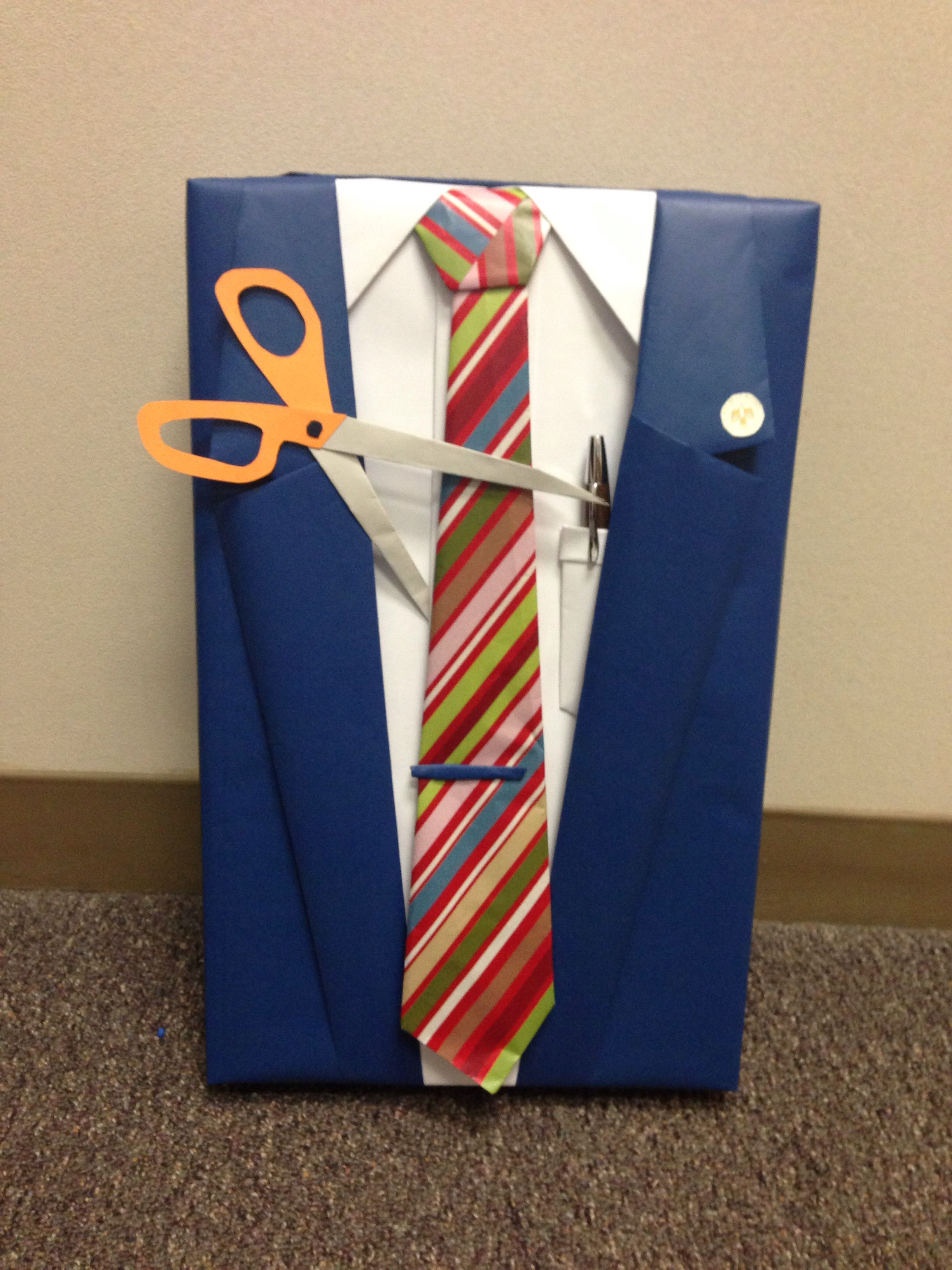 Top Retirement gift wrap idea. manly gift wrap. Suit and tie present  PE15