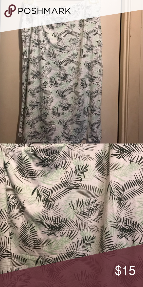 Print  Pencil Skirt (Plus) Brand new. Military green/Winter Pear/Taupe; The size states a 2X but it definitely looks like a 1X. I ordered it but when I seen how small it look; I knew I couldn't fit. It's so pretty I just don't have time running back to post office because it's crazy busy. Price Firm. Sociology Skirts Pencil