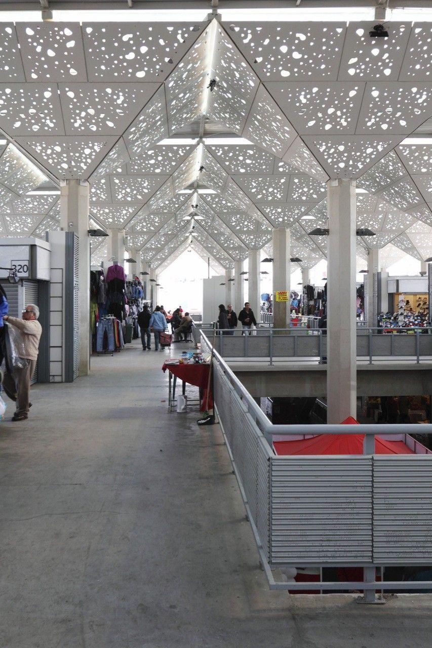 Galeria De Mercado Tirso De Molina Iglesis Prat Arquitectos 4 Edificios Modernos Edificios Edificio Publico