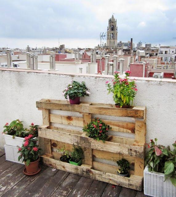 paletten garten pflanzenständer blumentopf selber bauen, Gartenarbeit ideen