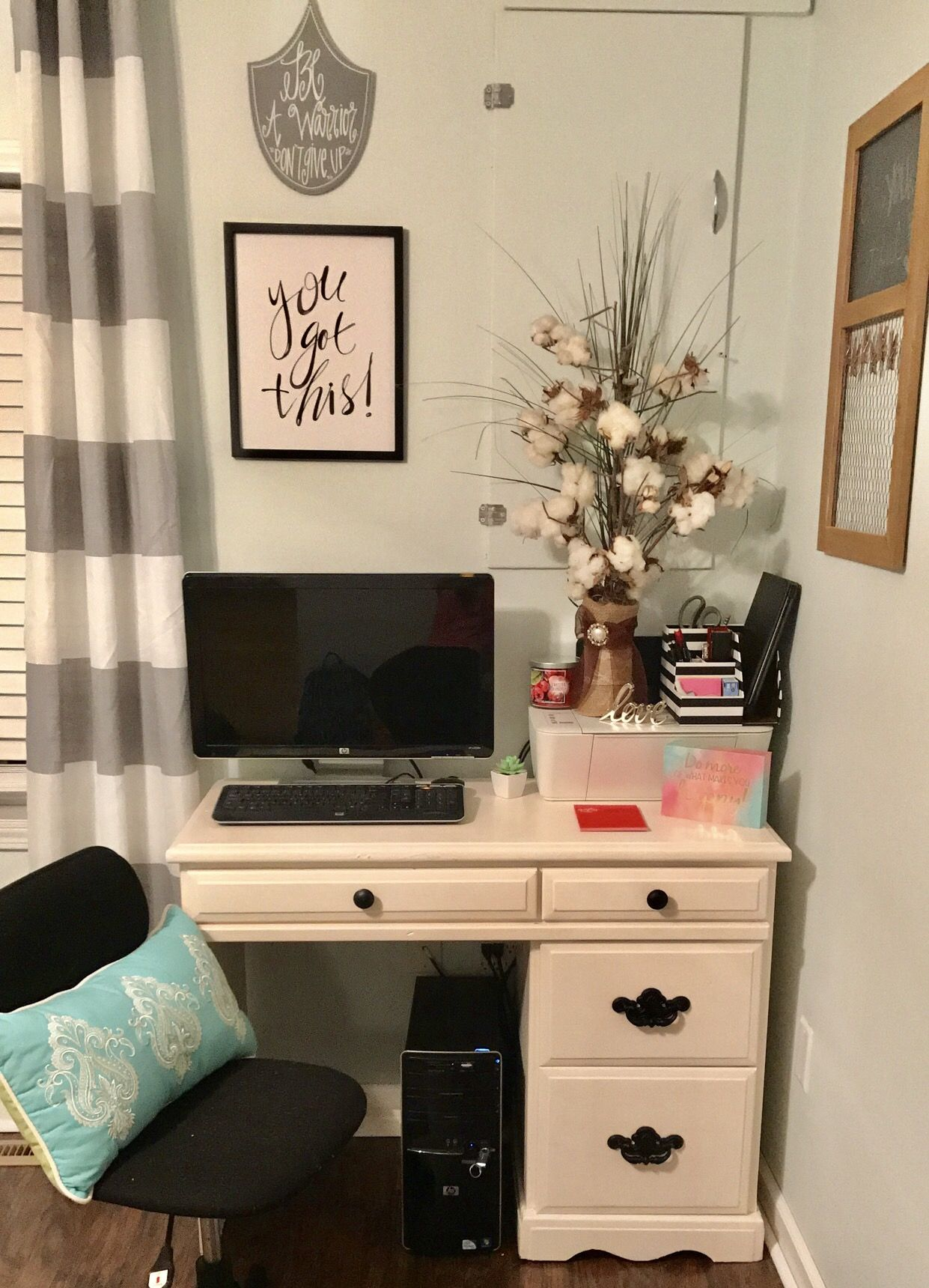 Cute little office space! small, cute, happy, college desk