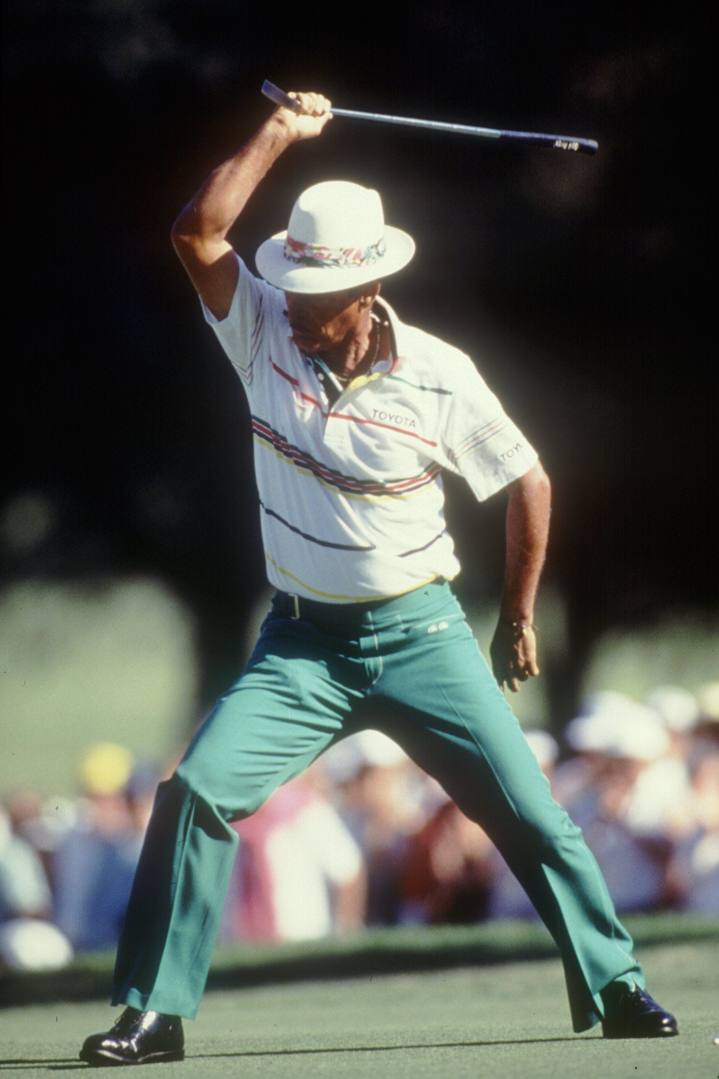 Miguel Angel Jimenez Holes Bunker Shot Goes Chi Chi Rodriguez At The U S Open Chi Chi Golf Tips New Golf Clubs