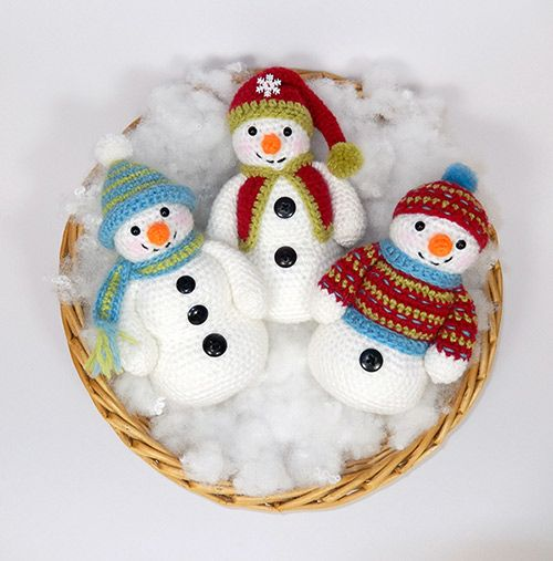 Frosty, Freezy and Fred amigurumi pattern by Janine Holmes at Moji