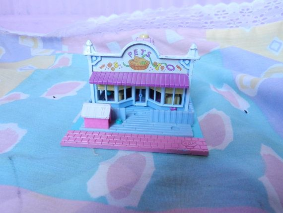 vintage Polly Pocket Pet store 90s clam shell opens by KagomeCharm