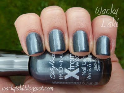 Sally Hansen Xtreme Wear - Gunmetal- this looked GREAT- color is exactly what it says, a gunmetal gray, not too frosty.