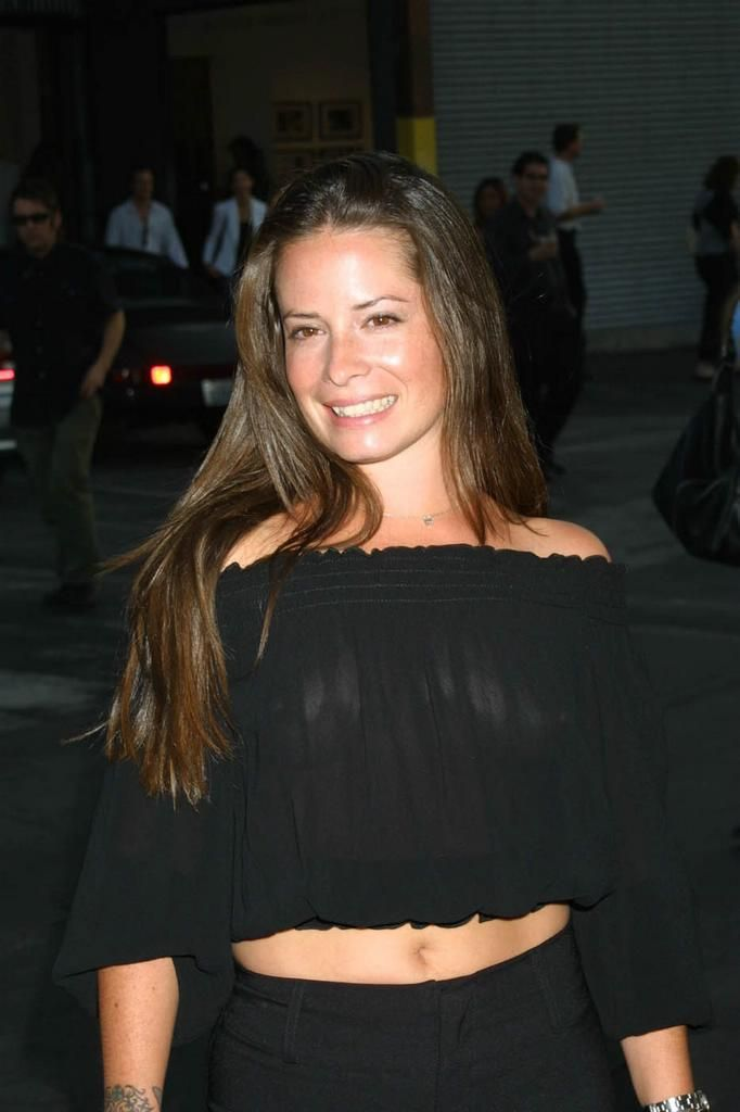 holly marie combs vk