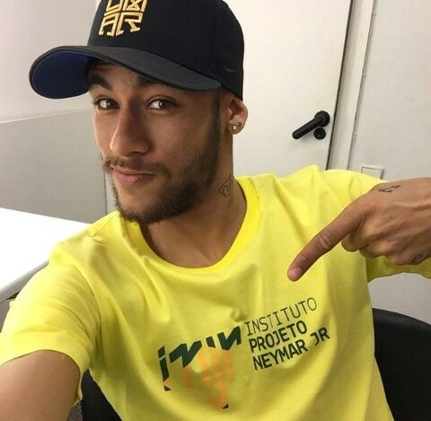 Neymar - http://www.fastorn.com/
