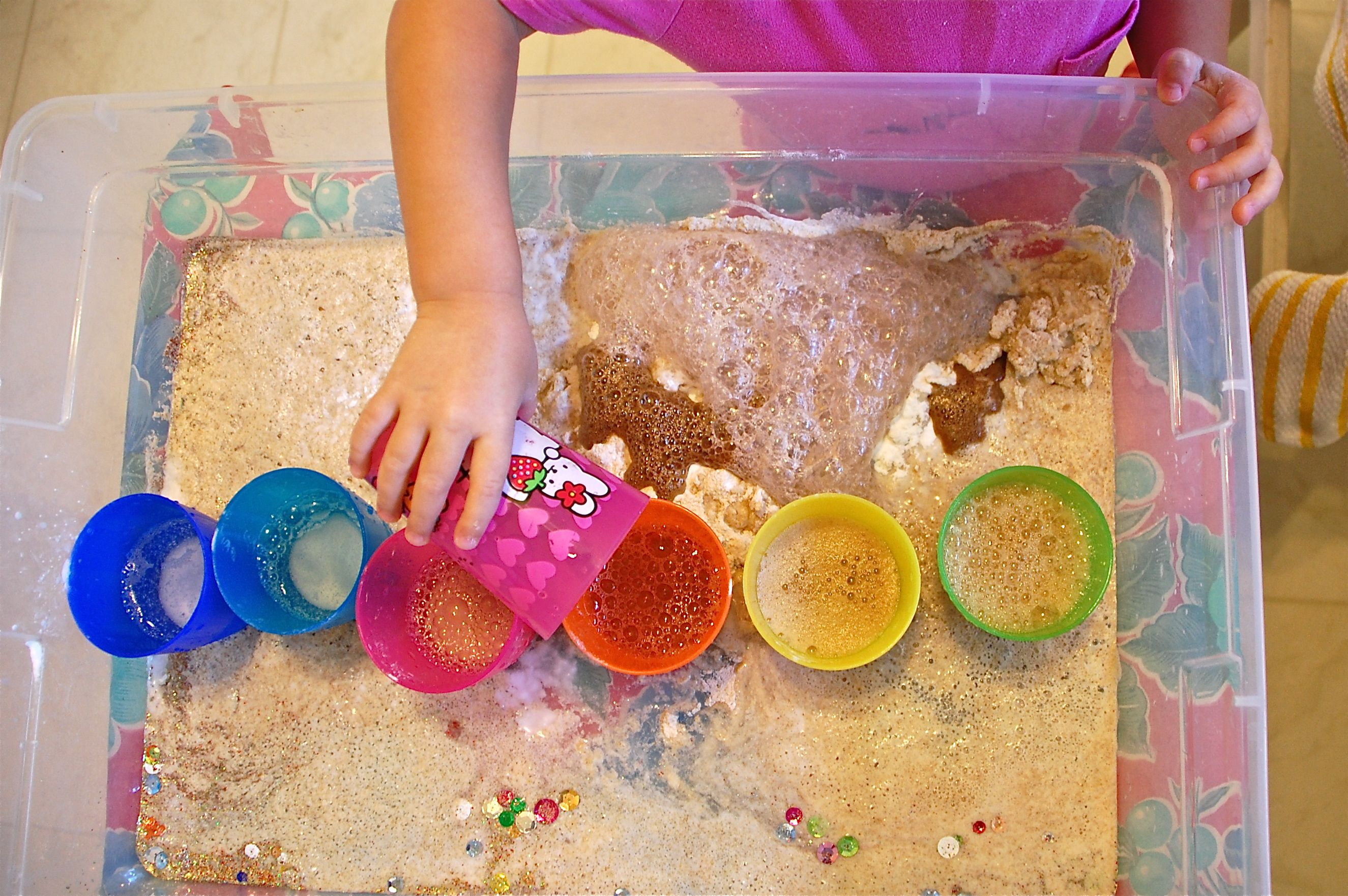 great way to do the vinegar and baking soda experiment.