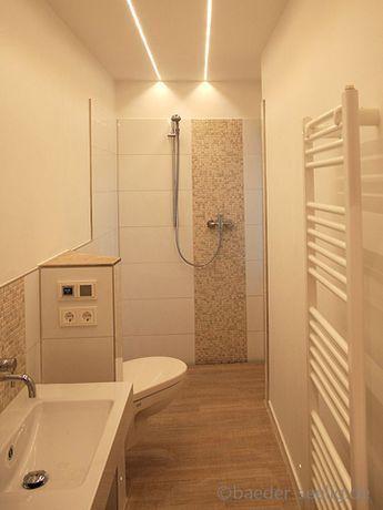 Geflieste Dusche das bad hat die maße 3,65m x1,10m. die geflieste dusche hat eine