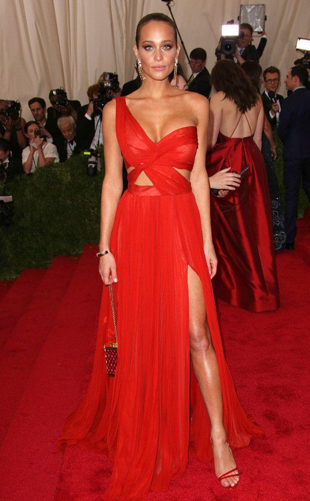 247962f86085 BEST Hannah Davis in J. Mendel I like this dress