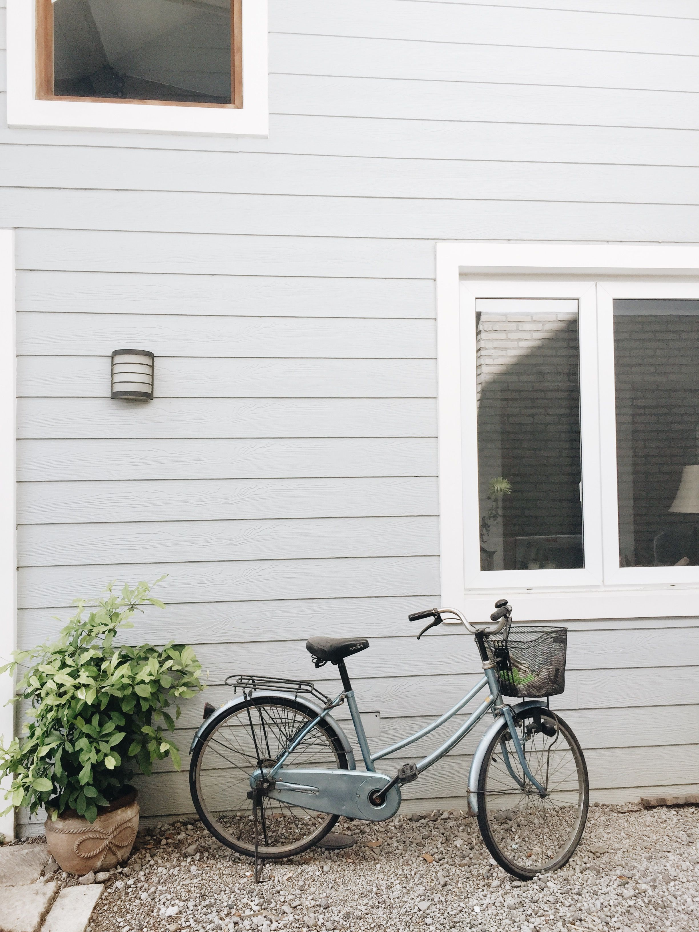 Cute Little Japanese Bicycle With Images Grey Houses