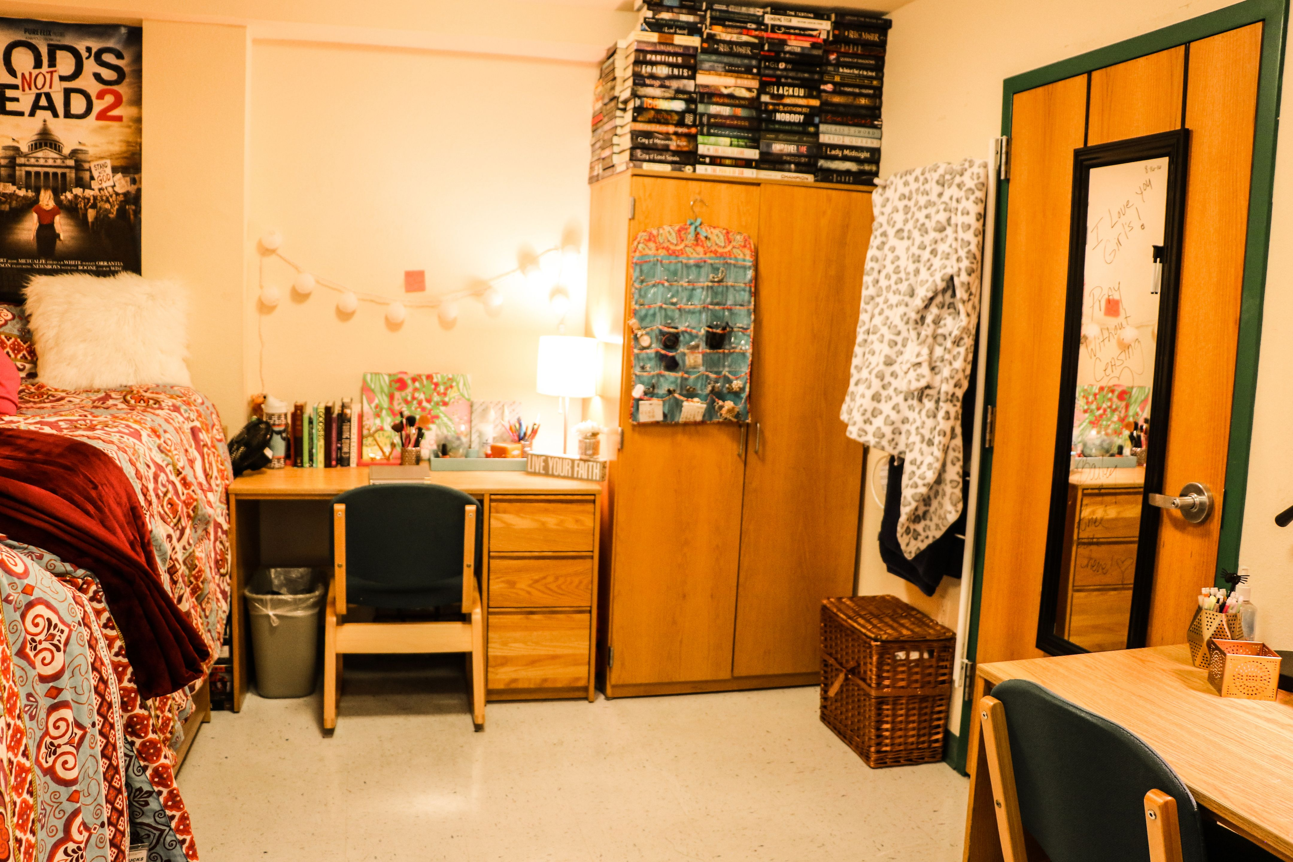 Kosove Apartments Bedroom