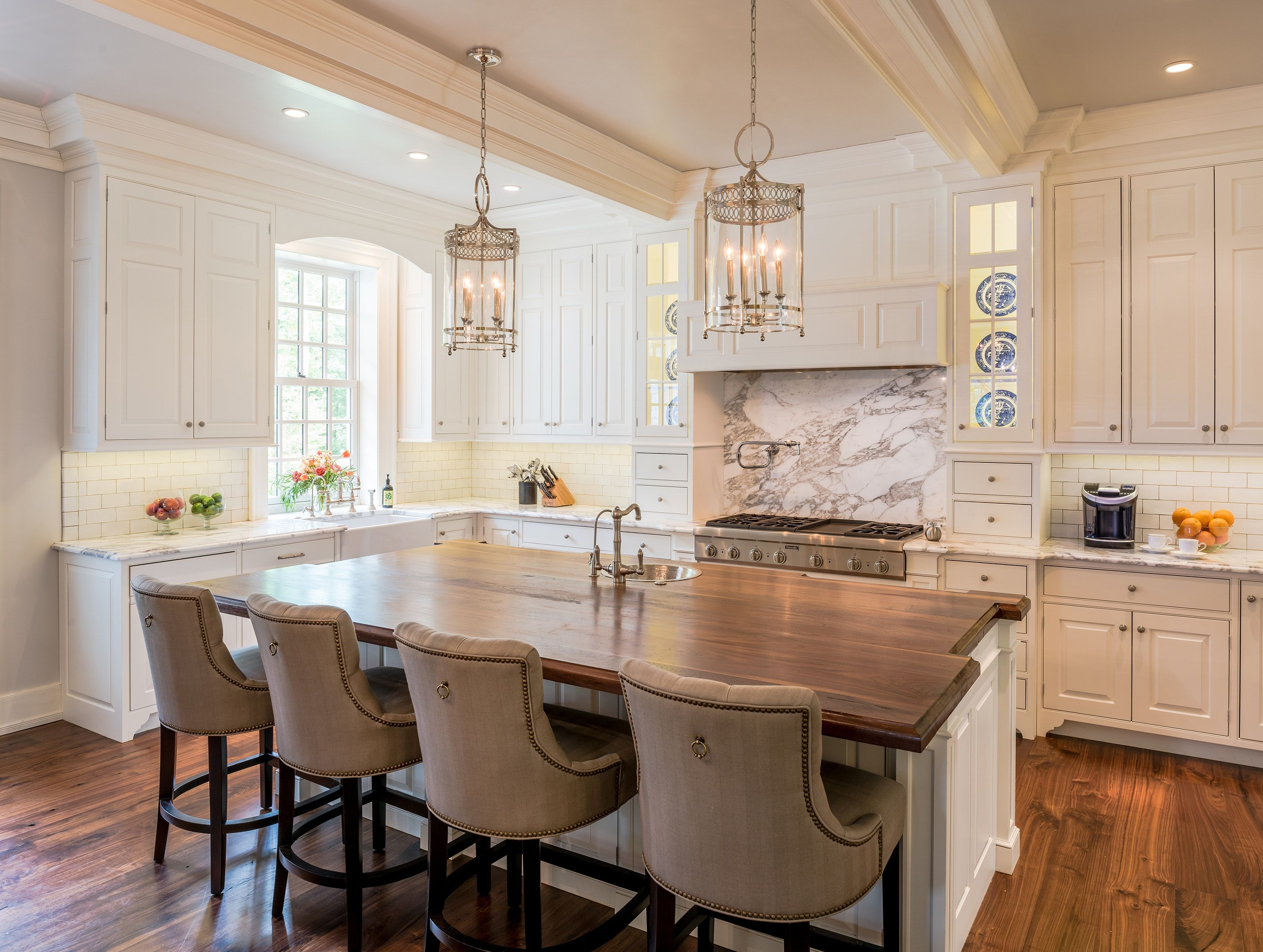 Colonial Style Kitchen Cabinets - Kitchen Decor