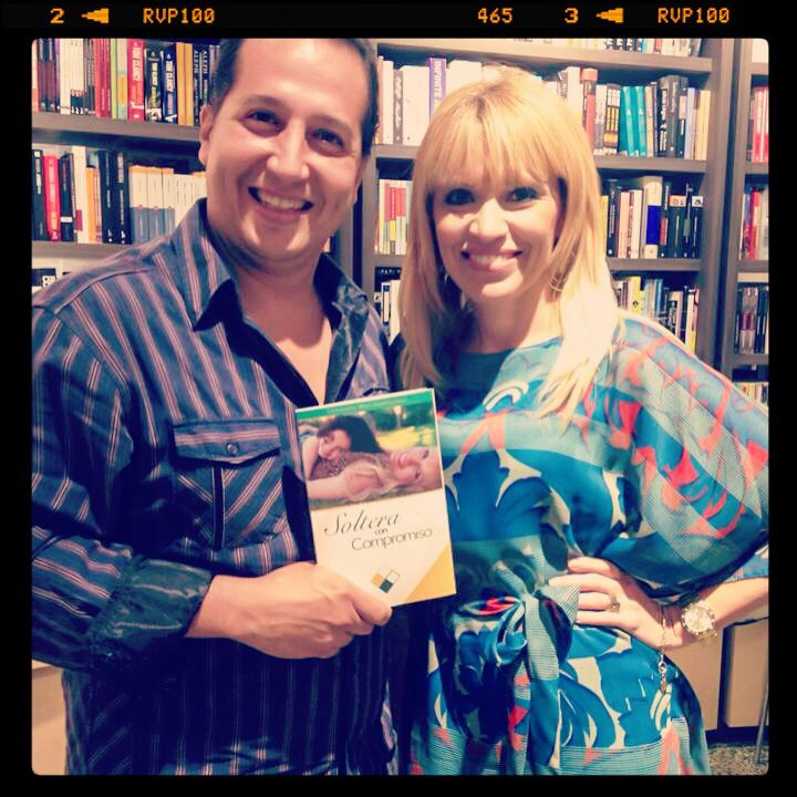 Presentación del libro Soltera con Compromiso en Libros AC , agosto 2013.