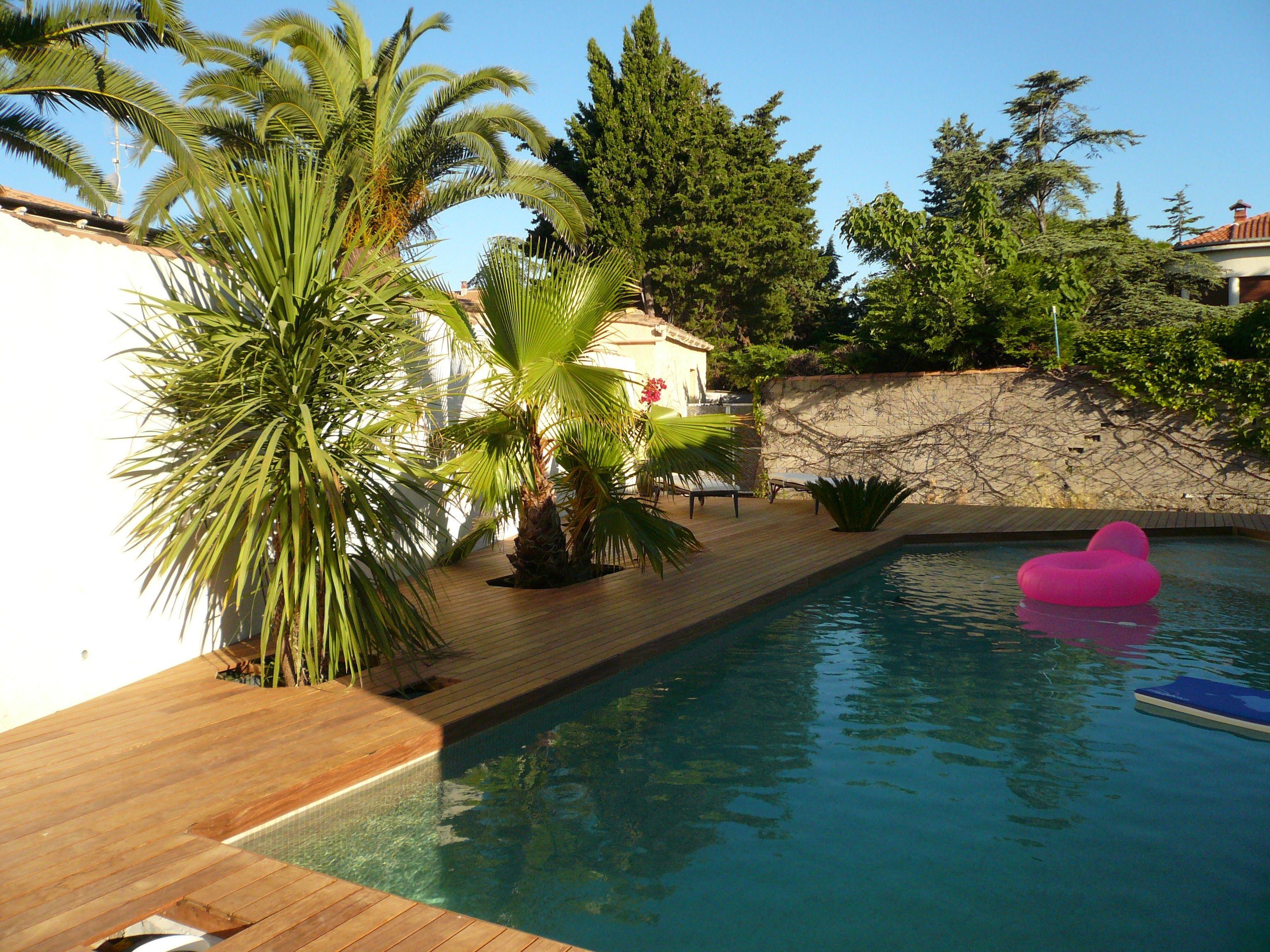 Terrasse de piscine Ipé visserie cachée margelle intégrée ...
